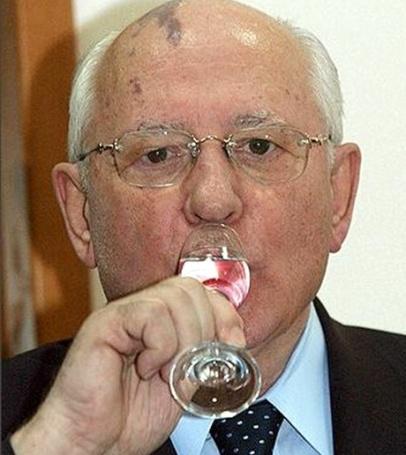 Горбачев любил выпить