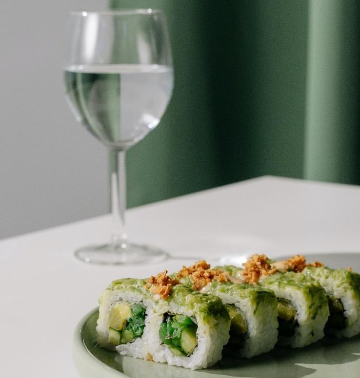 суши к белому вину фото