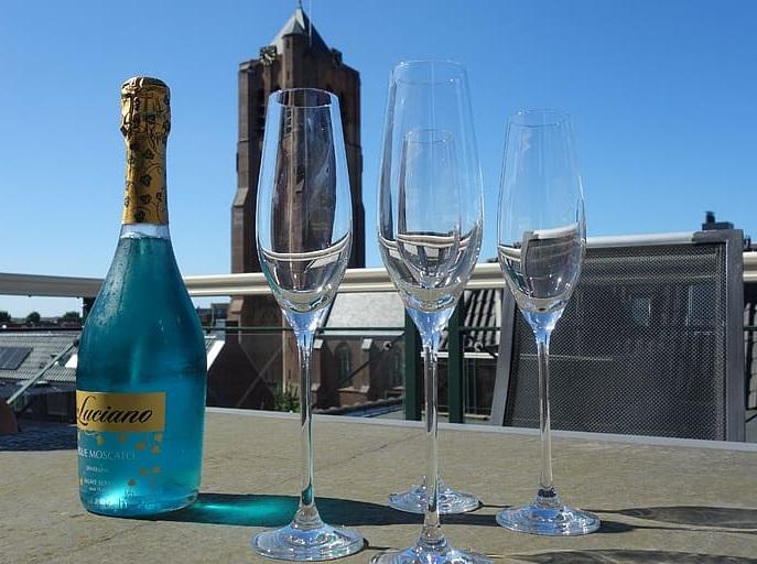 фото голубого шампанского с блестками